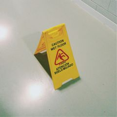 caution wetfloor